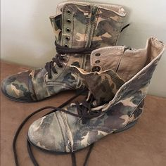 STEVE MADDEN FATIGUE COMBAT BOOTS Worn once, hard to find!  Perfect condition! Steve Madden Shoes Combat & Moto Boots