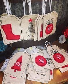 Love these Christmas tree decorations made using free motion embroidery we saw at a garden centre this weekend! Sewn Christmas Ornaments, Fabric Ornaments, Christmas Applique, Diy Christmas Cards, Christmas Sewing, Christmas Embroidery, Christmas Gift Tags, Christmas Wrapping, Christmas Crafts