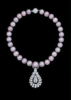 graff-pink-pearl-necklace