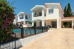 Coral Bay Prestige Villa Picture perfect environment you'd always wanted in your Cyprus home. This is a rare find and its many attributes will make this luxury villa a fabulous home...
