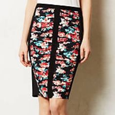 Beautiful anthropologie stretch skirt! Gorgeous skirt by Bailey 44. Highlights your curves in the best way! Size small. Anthropologie Skirts Pencil
