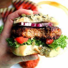 Oppskrifter   Burgere   Veganburger   Vegetarburger   Middagskaker   Veganmisjonen