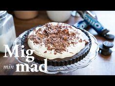 Få opskriften på en virkelig himmelsk chokoladetærte med lækker mørk chokolade på en bund af sprøde Oreo kiks. Se opskriften med video her.  Copenhagen Cakes