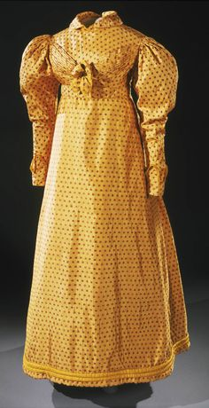 Geography:Made in England, Europe Date:c. 1820 Medium:Yellow silk brocade exported from India Dress 1820 The Philadelphia Museum of Art Antique Clothing, Historical Clothing, 1800s Clothing, Victorian Fashion, Vintage Fashion, 50 Fashion, Victorian Gothic, Steampunk Fashion, Gothic Lolita