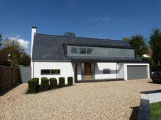 One of the best architects on the South Coast. Dormer House, Dormer Bungalow, Modern Bungalow House, Dormer Windows, Modern House Plans, Bungalow Ideas, Bungalow Renovation, Bungalow Exterior, Bungalow Extensions