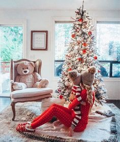 Trendy and Cozy Holiday Decorating Ideas Get inspired with these trendy holiday decorating ideas and turn your home into a winter wonderland. You'll love these classy Christmas decorations. Babies First Christmas, Winter Christmas, Christmas Time, Funny Christmas, Baby Girl Christmas, Magical Christmas, Christmas Quotes, Christmas Christmas, Beautiful Christmas