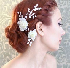 What a pretty alternative to a veil...Wedding clip set white flower hair pins floral by gardensofwhimsy, $30.00