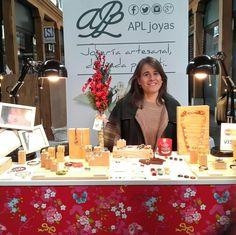 Instalada ya en el Mercado del Este y con muchas ganas de veros. Estoy aquí con mis diseños hasta las 20.00. Tenemos todavía mucho dia por delante. Os espero!! #marketdevanguardia #marketdemoda #diseño #regalosoriginales #navidad #joyas #joyeria #artesanal #santander #cantabria #marketnavideño #christmas #jewelry #jewel #handmade #love #starmarketsantander #market #santander #spain