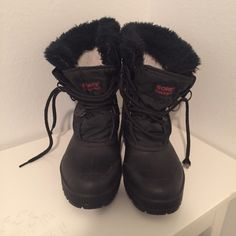 SOREL•Boots Black Sorel boots in amazing condition! Trying to clean out my closet! Make me an offer! SOREL Shoes Winter & Rain Boots