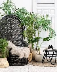 wicker furniture and green plants – RechercheGoogle Rattan Furniture, Garden Furniture, Scandinavian Style, Black Rattan Chair, Peacock Chair, Bali, Boho Stil, Hanging Chair, Decoration