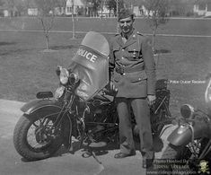 Riding Vintage article on the US Military Police astride their Harley-Davidson Motorcycles. Antique Motorcycles, British Motorcycles, Used Motorcycles, Custom Motorcycles, Harley Davidson Wla, Harley Davidson Motorcycles, William Harley, Motorcycle Shop, Emergency Vehicles