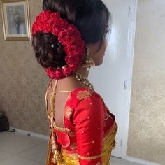 Bridal Hairstyle Indian Wedding, Bengali Bridal Makeup, South Indian Bride Hairstyle, Bridal Hair Buns, Bridal Hairdo, Indian Wedding Hairstyles, Bridal Makeup Looks, Indian Makeup, Wedding Makeup
