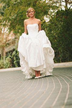 Western Bride, Wedding Photography - Dubai, Al Qasr, Madinat Jumeirah #dubaibride #dubaiweddings #dubaiweddingphotography #dubaiweddingphotographer