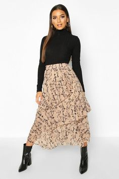 Floral Skirt Outfits, Long Skirt Outfits, Modest Outfits, Modest Fashion, Skirt Fashion, 70s Fashion, Fashion Tips, Winter Fashion Outfits, Fall Outfits