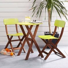 Limited patio space? Choose a small but vibrant table so it doesn't overwhelm your space. #homedecor
