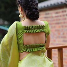 Blouse Back Neck Designs, New Saree Blouse Designs, Simple Blouse Designs, Stylish Blouse Design, Bridal Blouse Designs, Latest Blouse Patterns, Brocade Blouse Designs, Sari Design, Frock Design