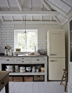 """Love the """"unfitted"""" kitchen look and the retro appliance - Luxury Kitchen Remodel Retro Home Decor, Home Decor Kitchen, Rustic Kitchen, Kitchen Interior, Vintage Kitchen, Kitchen Ideas, Luxury Kitchen Design, Best Kitchen Designs, Luxury Kitchens"""