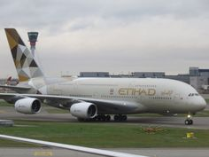 Trip report: Etihad Airbus First Class London to Abu Dhabi Like A Shooting Star, Corporate Identity Design, Best Flights, Airbus A380, London Apartment, Civil Aviation, World Pictures, Jeddah, Air Travel