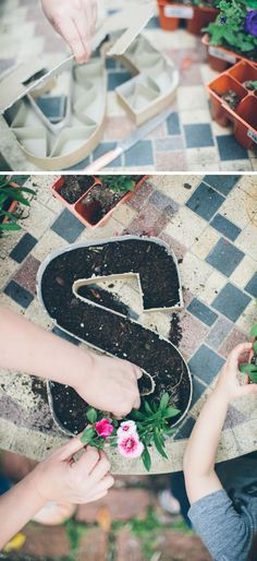 Make flower gardens in the shape of your initial + 25 Spring Projects for Kids These letter planters would look especially good with really low plants like a succulent garden. Spring Projects, Projects For Kids, Spring Crafts, Project Ideas, Letter Planter, Dream Garden, Home And Garden, Spring Party, Cactus Y Suculentas