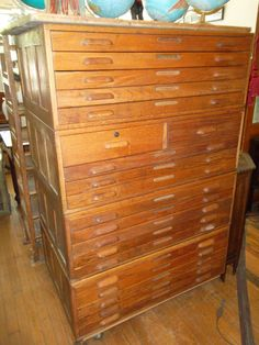 20 Drawer oak flat art cabinet