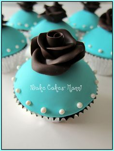 Turquoise cupcake from iBake Cakes.