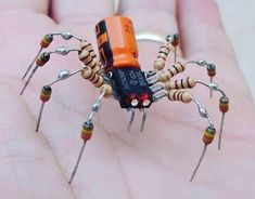 Spider - mini robotic sculpture made with scrap . - Diy and Crafts Metal Art Projects, Metal Crafts, Diy And Crafts, Electronic Engineering, Electronic Art, Electronic Recycling, Diy Electronics, Electronics Projects, Electronics Components