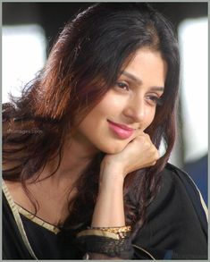 Bhumika Chawla Beautiful HD Photoshoot Stills & Mobile Wallpapers HD - Indian Actress Hot Pics, South Indian Actress, Beautiful Indian Actress, Beautiful Girl In India, Beautiful Lips, India Beauty, Asian Beauty, Girl Pictures, Girl Photos
