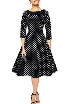 Black PolkaDot Collared Dress Source by felicinagipsi Vintage Style Dresses, 50s Dresses, Women's Fashion Dresses, Pretty Dresses, Casual Dresses, Vintage Outfits, Vintage Fashion, Vintage Mode, Collar Dress