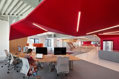 Clive Wilkinson Architects sought to eliminate traditional work boundaries in its design of a new headquarters for the global adverting agency Publicis.