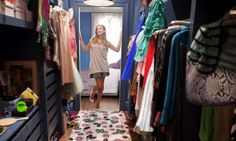 I have always LOVED carrie bradshaws apartment and esspecially the closet!!