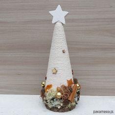 Choinka naturalna z pomarańczem - Boże Narodzenie - choinki - Pakamera.pl Christmas Tree Crafts, Christmas Decorations, Xmas, Christmas Ornaments, Holiday Decor, Baby Food Jar Crafts, Baby Food Jars, Cone Trees, Beautiful Christmas
