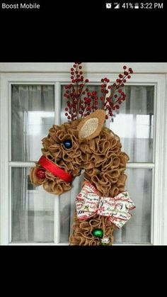 Making this reindeer Christmas Mesh Wreaths, Christmas Door Decorations, Burlap Christmas, Christmas Holidays, Christmas Ornaments, Winter Wreaths, Spring Wreaths, Wreath Crafts, Diy Wreath