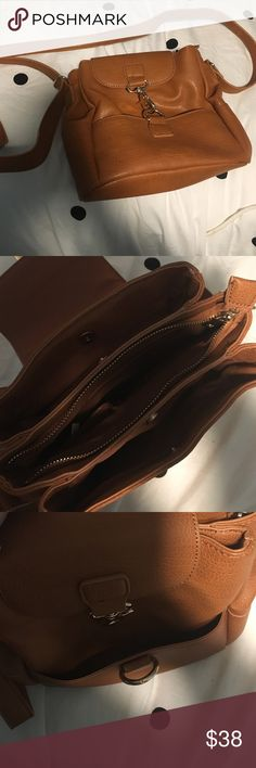 Cross body purse good condition Only used once no stains good condition Bags Crossbody Bags