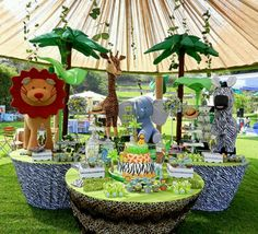Jungle party - food table set ups?