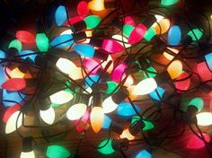 I love old fashioned Christmas lights Christmas Past, Retro Christmas, Vintage Christmas Lights, Old Fashioned Christmas Lights, Iphone Wallpaper Lights, Hanging Christmas Lights, Old Lights, Beautiful Christmas, Fairy Lights