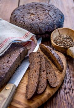 A speciality of the Swedish-speaking province of Åland Islands and Finland's southwestern archipelago region, mustaleipä is a rye bread baked for several hours in cool oven, giving it a sweet-and-sour flavour and a very dark colour. A Food, Food And Drink, Bread Board, New Flavour, Bread Baking, Deli, Baked Goods, Bread Recipes, Banana Bread