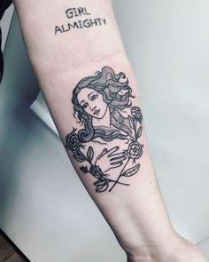Venus de milo by Botticelli tattoo Mini Tattoos, Body Art Tattoos, New Tattoos, Small Tattoos, Tatoos, Venus Tattoo, Aphrodite Tattoo, Piercing Tattoo, Pretty Tattoos