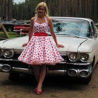 Such a cute 50s swing dress. Wish I could sew. Ha
