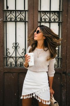 Find outfit ideas, shopping, and street style inspiration to help you get dressed for work, dates, parties and more on Fashion Blogger Style, Fashion Mode, Look Fashion, Spring Fashion, Autumn Fashion, Womens Fashion, Fashion Bloggers, Feminine Fashion, Fashion Ideas