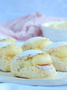 Donuts, Pan Dulce, Cake Servings, Afternoon Snacks, Dessert Recipes, Desserts, Sweet Recipes, Sweet Tooth, Food Photography
