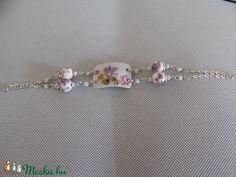 Porcelán ékszer, virágos  karkötő (Molylepke) - Meska.hu
