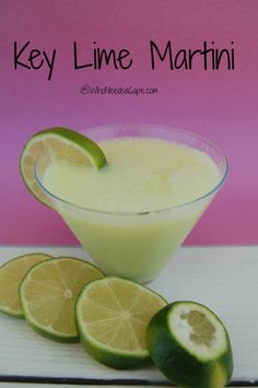 Key Lime Martini - a light refreshing Martini - a must pin! #cocktail #vodka #keylime #happyhour