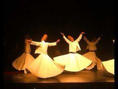 Get drowned in that emotion.  Ceremonia Sufi de la rama Mevlevi. (Turquia. Estambul)