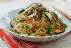 Korean Bapsang: 잡채 Japchae (Korean Stir-Fried Starch Noodles with Beef and Vegetables) Asian Recipes, Beef Recipes, Cooking Recipes, Ethnic Recipes, Recipies, Korean Dishes, Korean Food, Korean Bbq, Japchae Recipe Korean