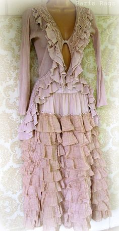 beautiful! Ruffle Bustle skirt and French Maiden top