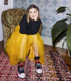 Fashion For Women Over 40, Kids Fashion, Fashion Outfits, Fashion Design, Millie Bobby Brown, Brown Converse, Converse Chuck, Kylie Jenner Pictures, Bobby Brown Stranger Things