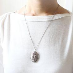 Ovale Spiegel Medaillon Halskette Blume / Medaillon von laonato