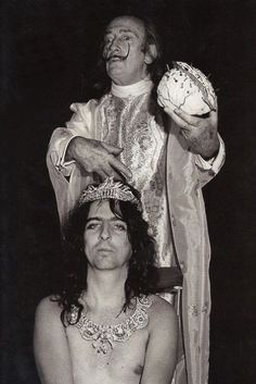 Salvador Dalí and Alice Cooper. I'm not sure what's going on here but I like it :)
