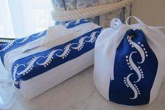 Cobertura de papel higiénico e cobertura de caixa de lenços bordadas com garanitos e ponto chão TUDO BORDADO MADEIRA ref.8297 WWW.BORDAL.PT