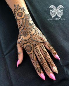 Top Simple Mehndi Designs - Easy-Peasy Yet Beautiful! Peacock Mehndi Designs, Indian Henna Designs, Latest Bridal Mehndi Designs, Full Hand Mehndi Designs, Mehndi Designs For Girls, Mehndi Design Photos, Wedding Mehndi Designs, Mehndi Designs For Fingers, Dulhan Mehndi Designs